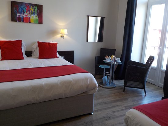hotel de bretagne chambre triple lit queen size 160200 et - Lit Queen Size
