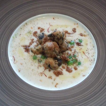 Richerenches, Frankrijk: crème de cocos et tempura d'escargots