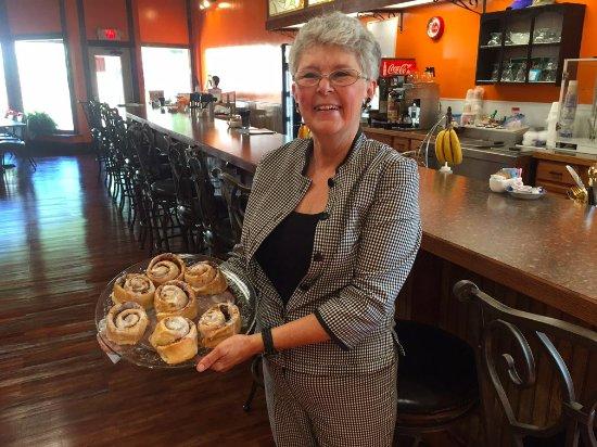 Smethport, Pensilvania: Master Baker Darlene, Owner of Chico's