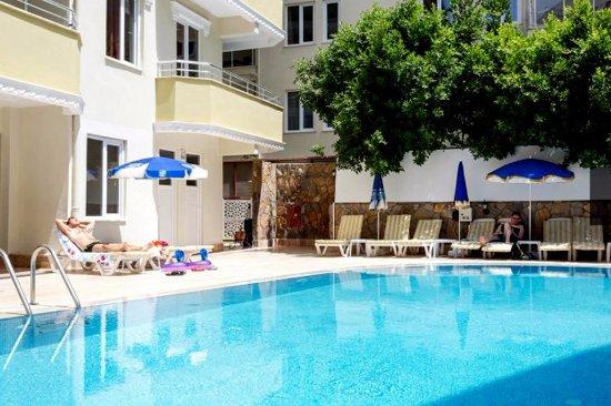 Mitos App & Hotel : HAVUZ ALANI