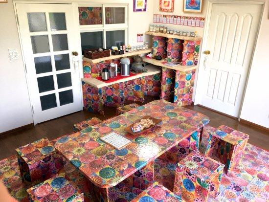 Chagama Self Cafe. Ermot
