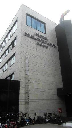 Ньиверкерк-ан-ден-Эйссел, Нидерланды: Front of the building