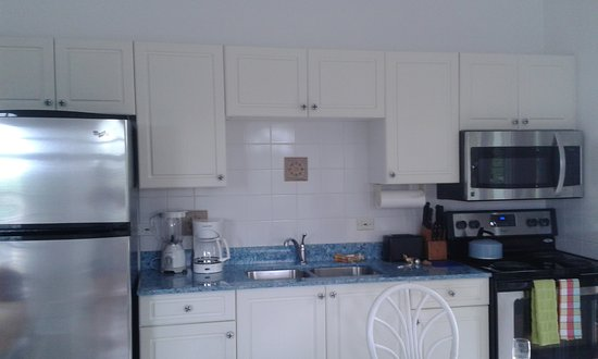 Bodden Town, Grand Cayman: Cozinha completa