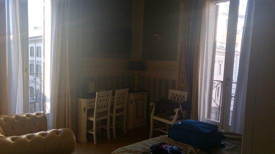 Residenza Montecitorio: room 405