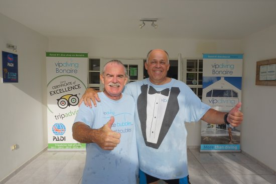 Kralendijk, Bonaire: Course Director, Kevin O'Brien on the left. Graduation day for me.