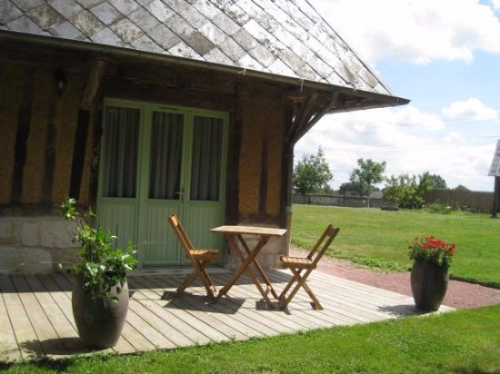Barneville sur Seine, Francia: La terrasse de la chambre Camaieu