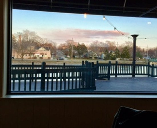 Saint Charles, IL: Outdoor seating, view of river from inside
