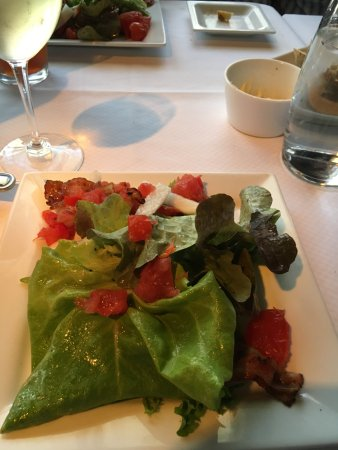 Portsmouth, VA: Fresh salad with SMOKED tomatoes! Great taste!