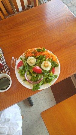 Leonardtown, Мэриленд: Introducing SAL, the salad man.