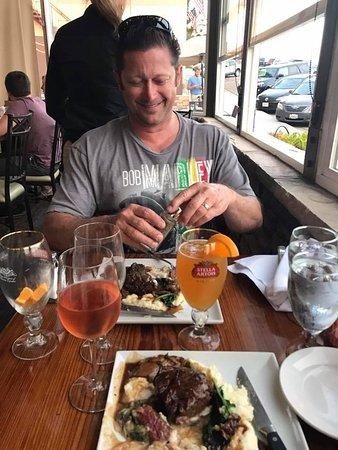Avila Beach, CA: Eating right next door at the Avila Ocean Grill