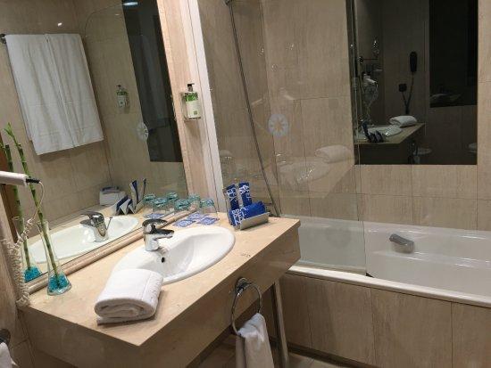 Badkamer picture of tryp jerez hotel jerez de la frontera