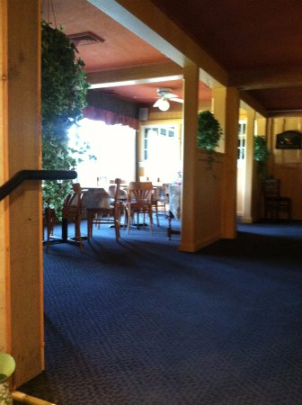Jackson, NH: indoor as well patio seating available
