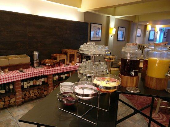Handforth, UK: Nice breakfast