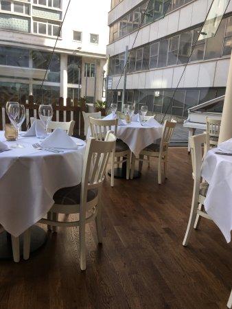 Hudson House Seafood & Bar: The restaurant