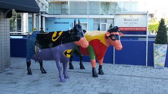 WestCord Art Hotel Amsterdam: Anche le mucche sono artistiche