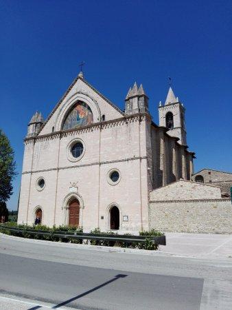 Santuario di Rivotorto: La facciata del Santuario