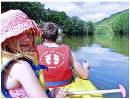 Saint-Antonin Noble Val, France: Les pieds dans l'eau location de canoe kayak à St Antonin Noble Val