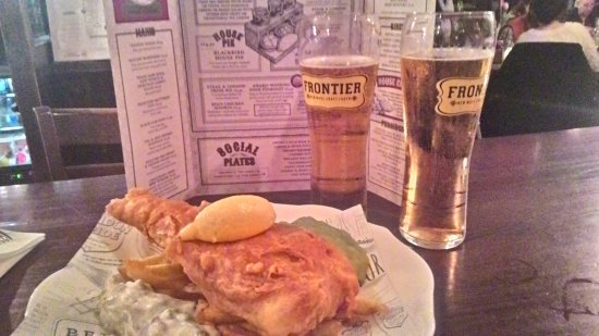 The Blackbird : Prato de fish and chips + 2 pints