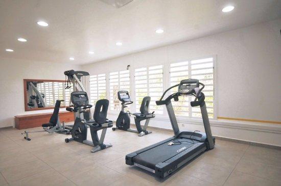 Capesterre, Guadeloupe: Salle de sport Lou'SPort dans l'hôtel