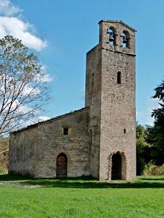 Montemonaco, อิตาลี: Vista complessiva della chiesa