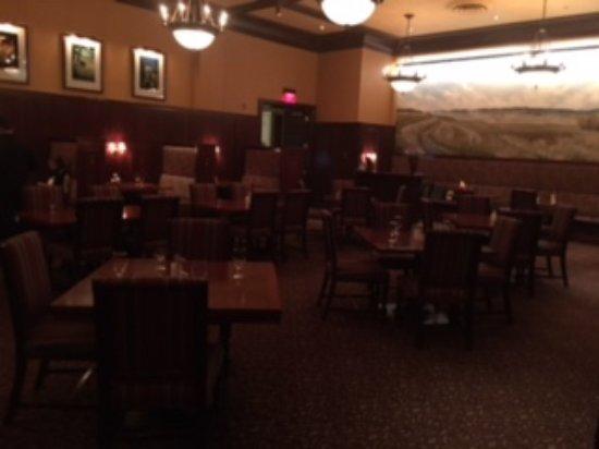Walla Walla, WA: Dining room at the Marcus Whitman