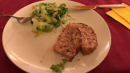 Osteria Del Buongustaio: Polpettone con insalata verde