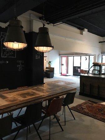 Almere, Pays-Bas : De Kleine Lunchfabriek Corner