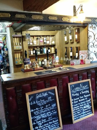 Chirk, UK: The Small Bar