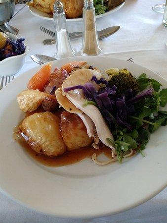 Chirk, UK: A Tasty Sunday Roast! 
