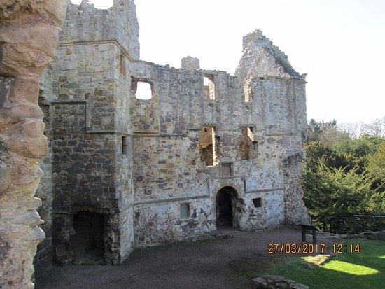 Dirleton, UK: the various storeys