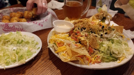 Fletcher's Pub: Salad with side of extra lettuce (Shredded Iceberg)