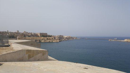 Birgu (Vittoriosa), Malta: Vue du Fort Saint-Angelo sur la rade de La Vallette