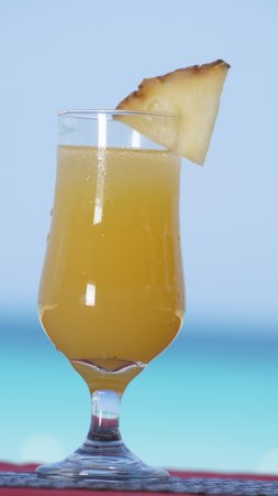 Jamaica Tamboo Resort : Enjoy our Jamaican rum punch at our bar. All non-alcoholic and alcoholic beverages are available