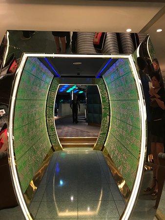 Skyview Bar: photo1.jpg