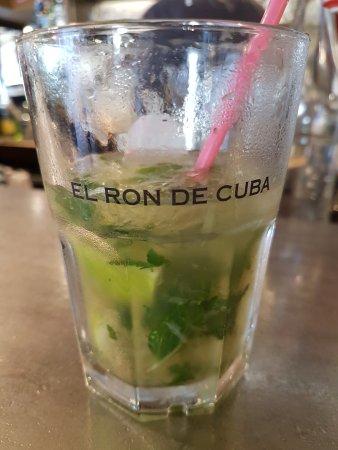 """Poissy, Francja: Le Batignolle : Mojito with """"EL RON DE CUBA"""" Havana Club."""