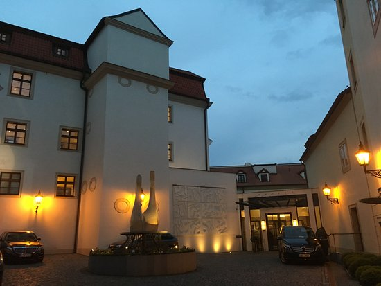 Augustine, a Luxury Collection Hotel, Prague: Courtyard Entry