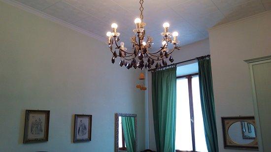 Castel San Gimignano, Italia: Camera da letto