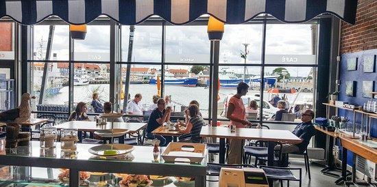 Simrishamn, Sweden: Härlig utsikt över hamnen!
