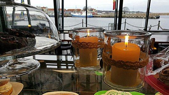 Simrishamn, Sweden: Mysig stämning.