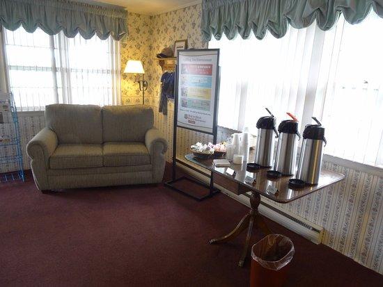 Amish Country Motel: Lobby