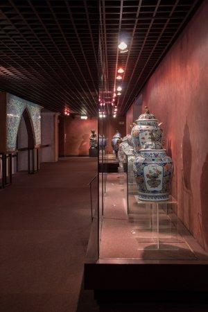 Museu Nacional de Arte Antiga: The ceramic section.