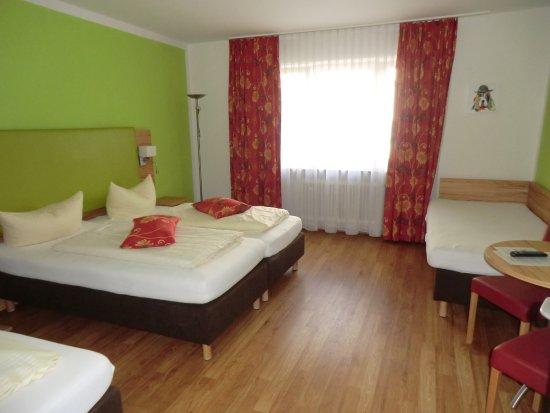 Hotel Pension Haydn München: Ein neu renoviertes Familienzimmer für 3,4 Personen