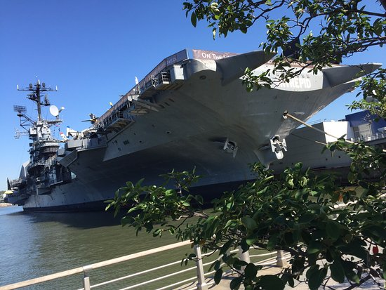 Picture of intrepid sea air space museum - Portaerei new york ...