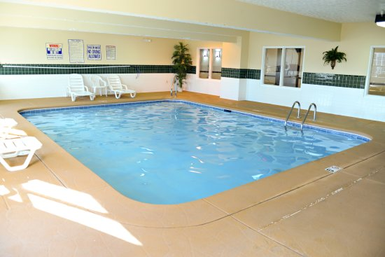 Country Inn & Suites by Radisson, Fairborn South, OH: Indoor Pool