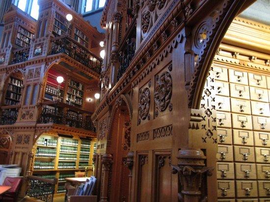Ottawa, Canadá: library