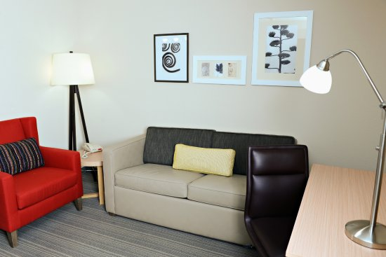 Country Inn & Suites by Radisson, Fairborn South, OH: King Suite