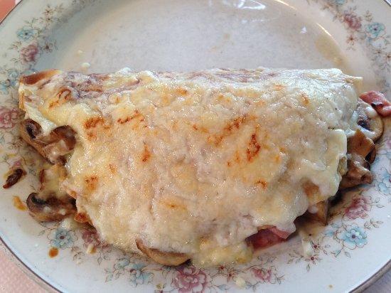 Edmonds, واشنطن: Mushroom and chicken crepe