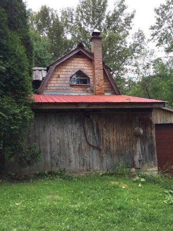 Saint-Fulgence, Canada: La maison (vue de derrière)
