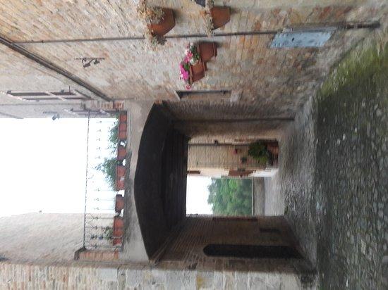 Torre di Palme, Italia: 20170427_200113_large.jpg