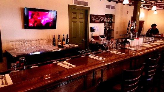 ปรินเซสแอนน์, แมรี่แลนด์: Bar in pub